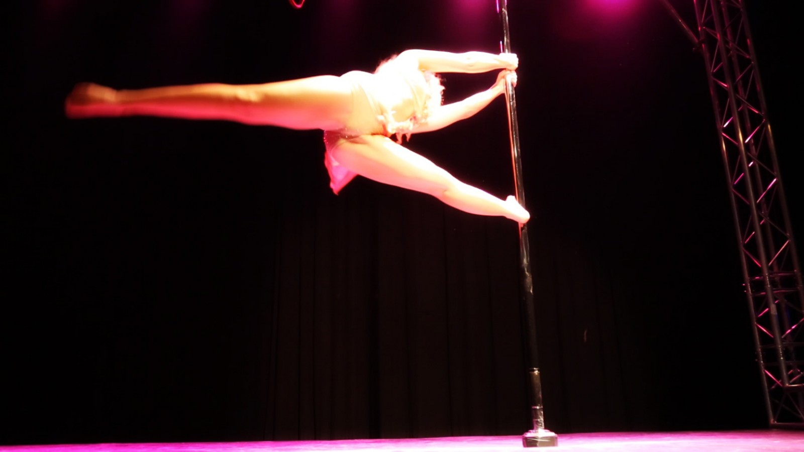Aerial-Vidéo-Pole dance
